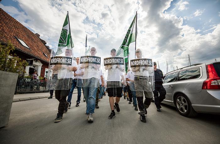 NMR marscherar i Almedalen.