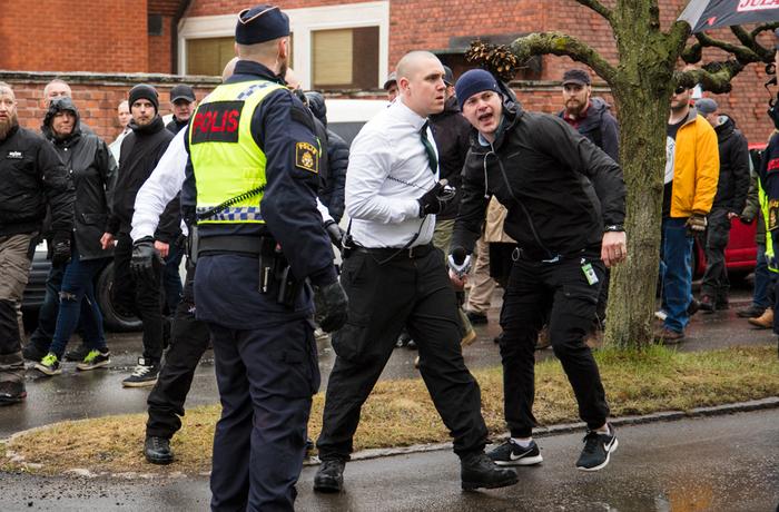 Robin Boström, Nordiska motståndsrörelsen