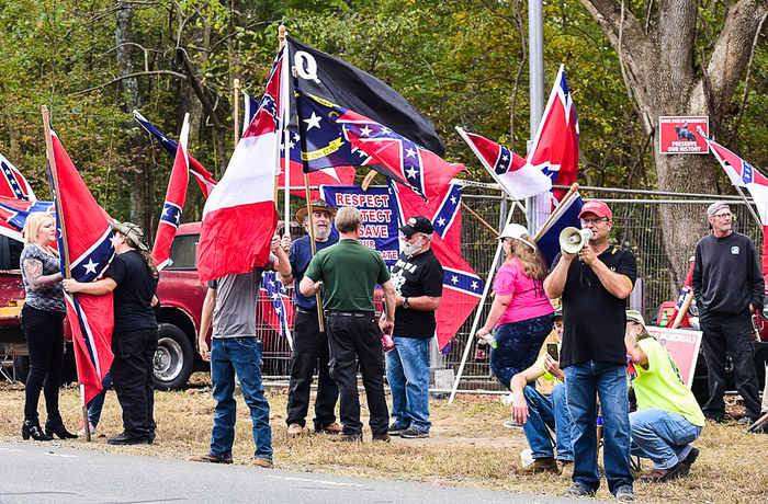 Proud Boys demonstrerar i Pittsboro, 2019