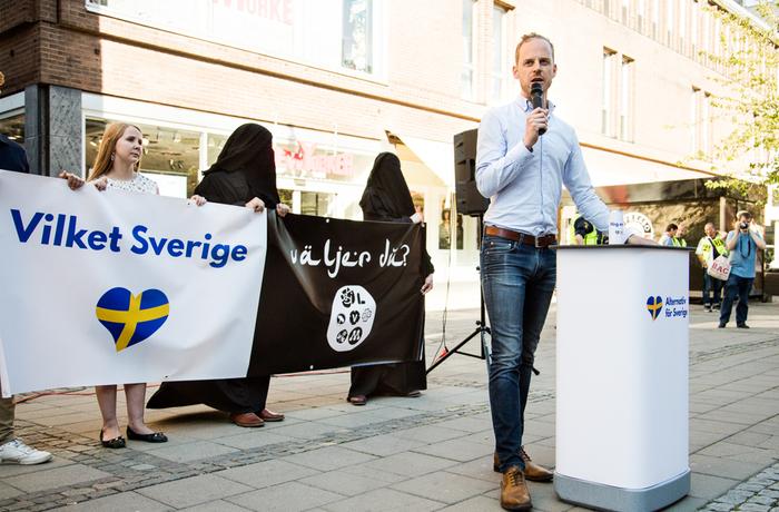 Alternativ för Sverige, Gustav Kasselstrand, islamofobi