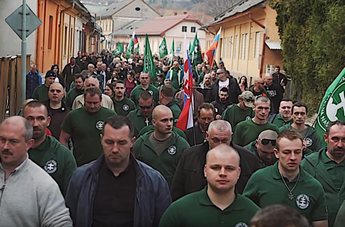 Anhängare till Vårt Slovakien demonstrerar 2019.