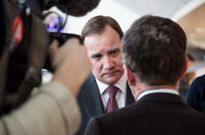 Statsministern Stefan Löfven svarar på frågor från journalister