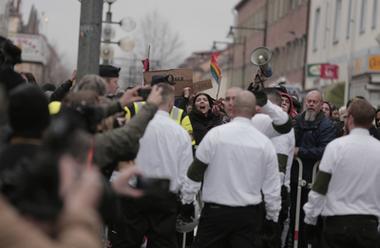 Högljudda protester mot Nordiska motståndsrörelsens tal i Ludvika