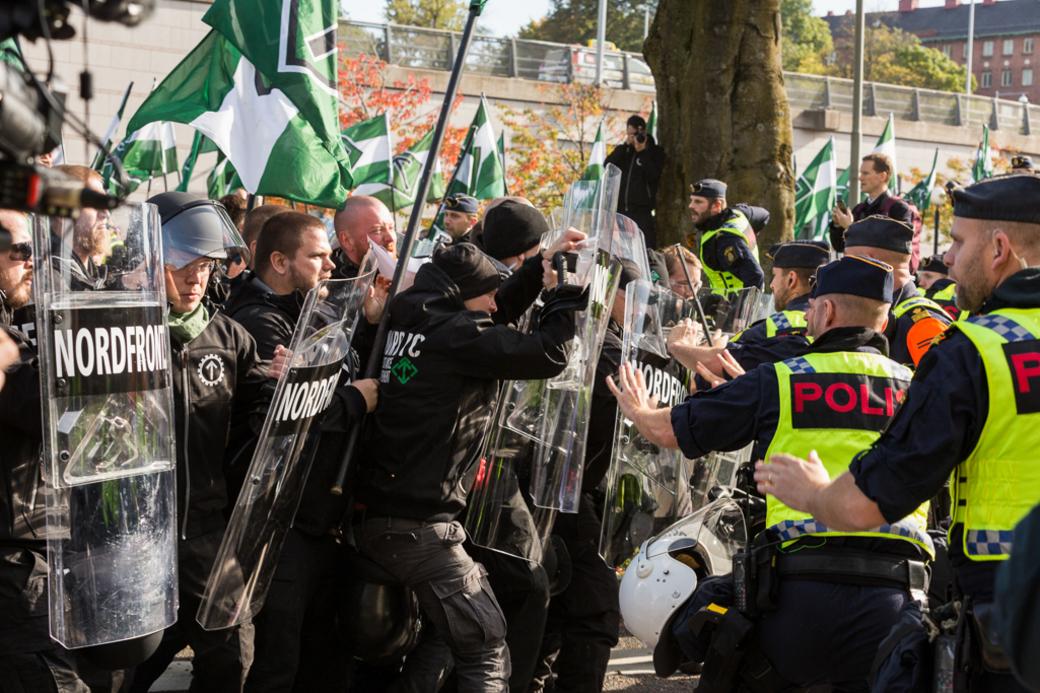 Tumult under Nordiska motståndsrörelsens demonstration i Göteborg 2017.
