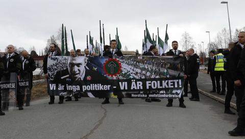 Nazister marscherar på första maj i Boden