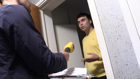 SD-politiker frågas ut av Expressens reporter