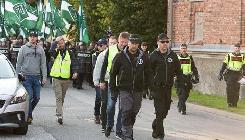 Nordiska motståndsrörelsen demonsterar i Göteborg.